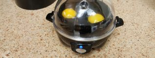 making over easy eggs with an egg maker