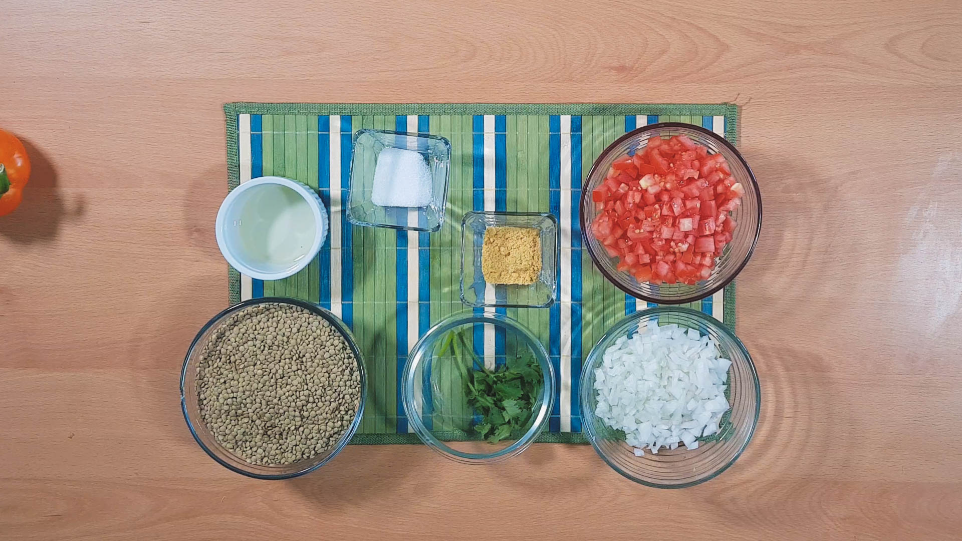 The ingredients for making healthy meal prep lentil soup